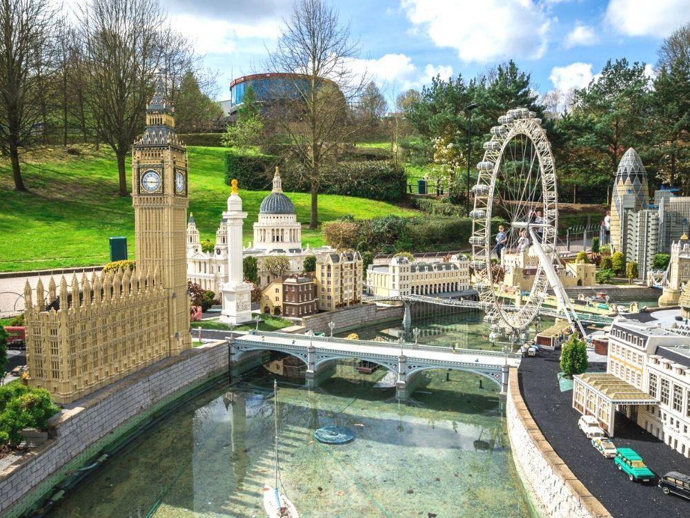 London scene in Miniland at Legoland Windsor