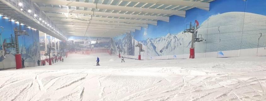 Main ski slope at the Snow Centre in Hemel