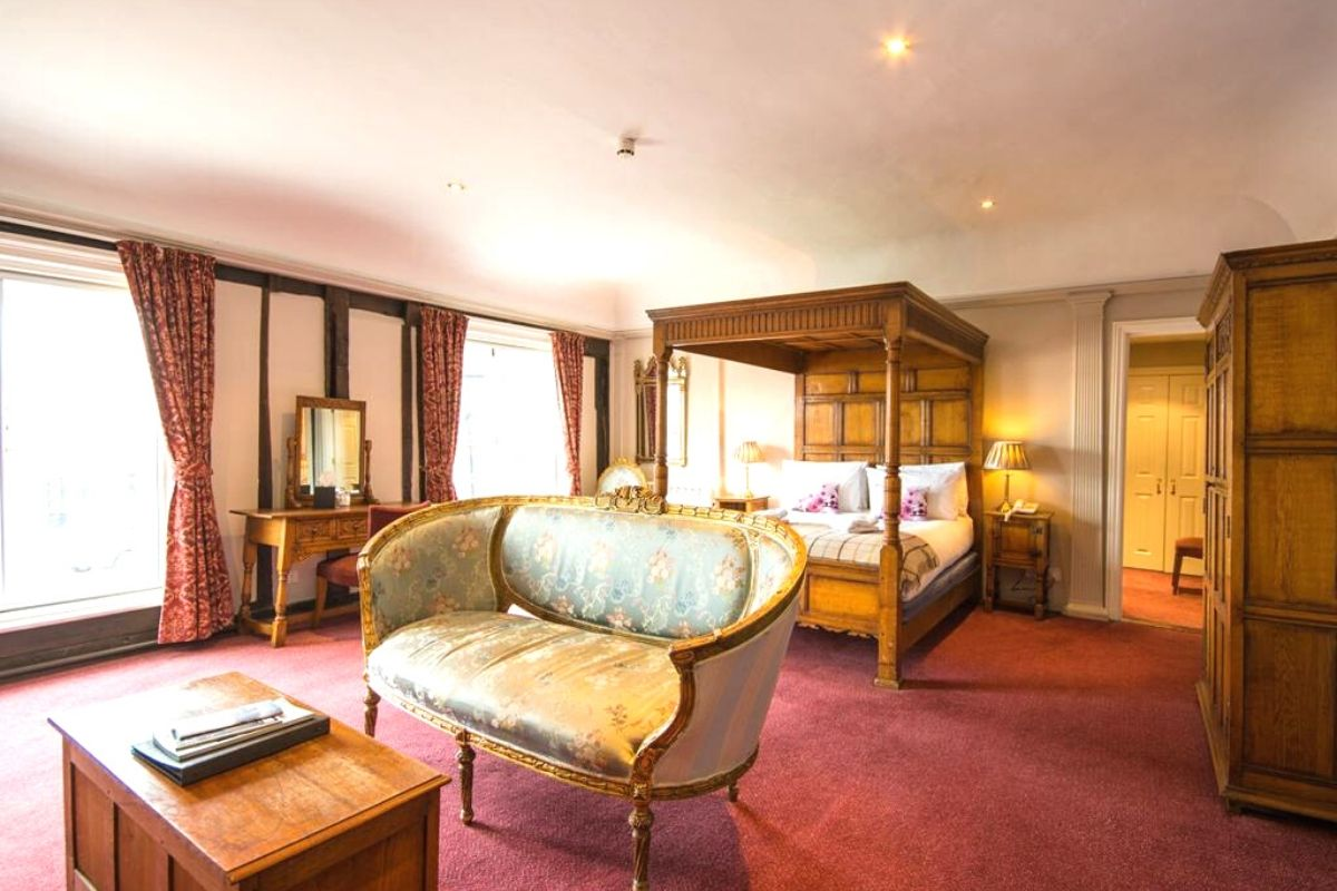 Four Poster bed at the Crown Hotel Framlingham